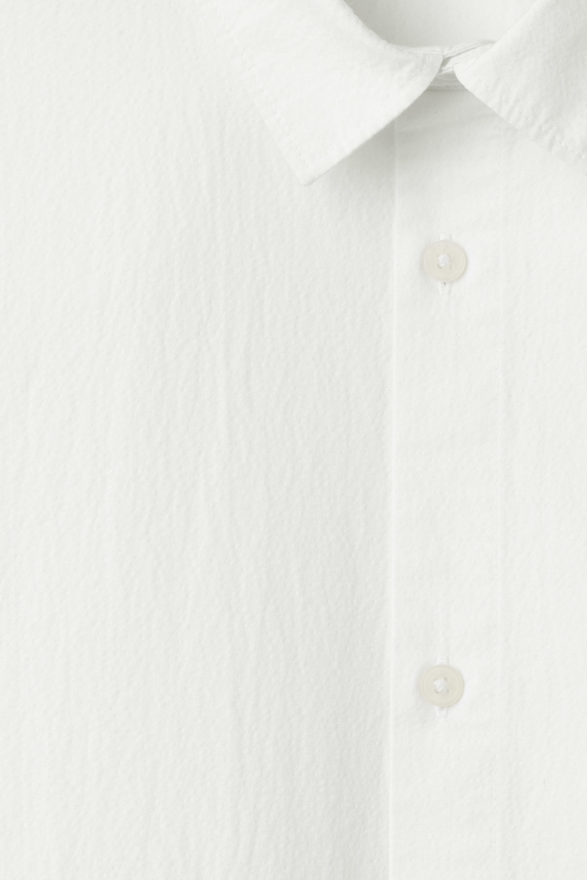 Detailed image of Weekday pablo structured shirt in white