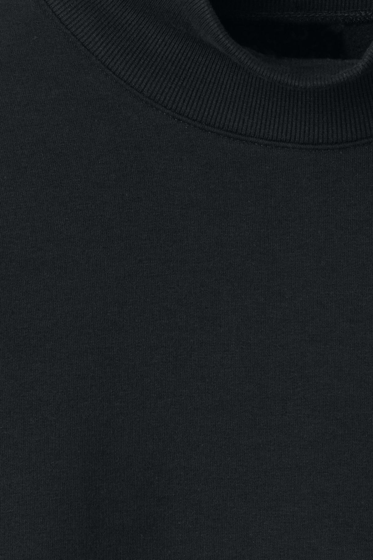 Detailed image of Weekday big turtleneck sweatshirt in black