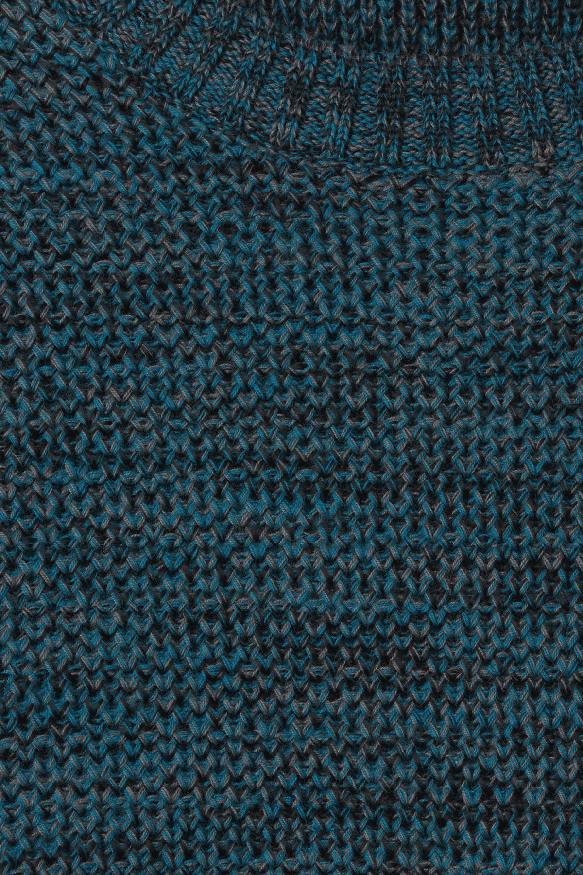 Detailed image of Weekday cave sweater in blue