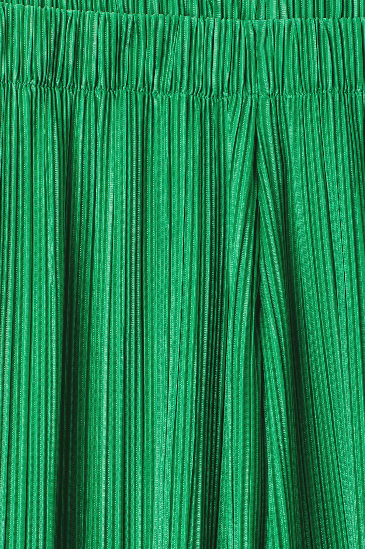 Detailed image of Weekday wassily pleat trousers in green