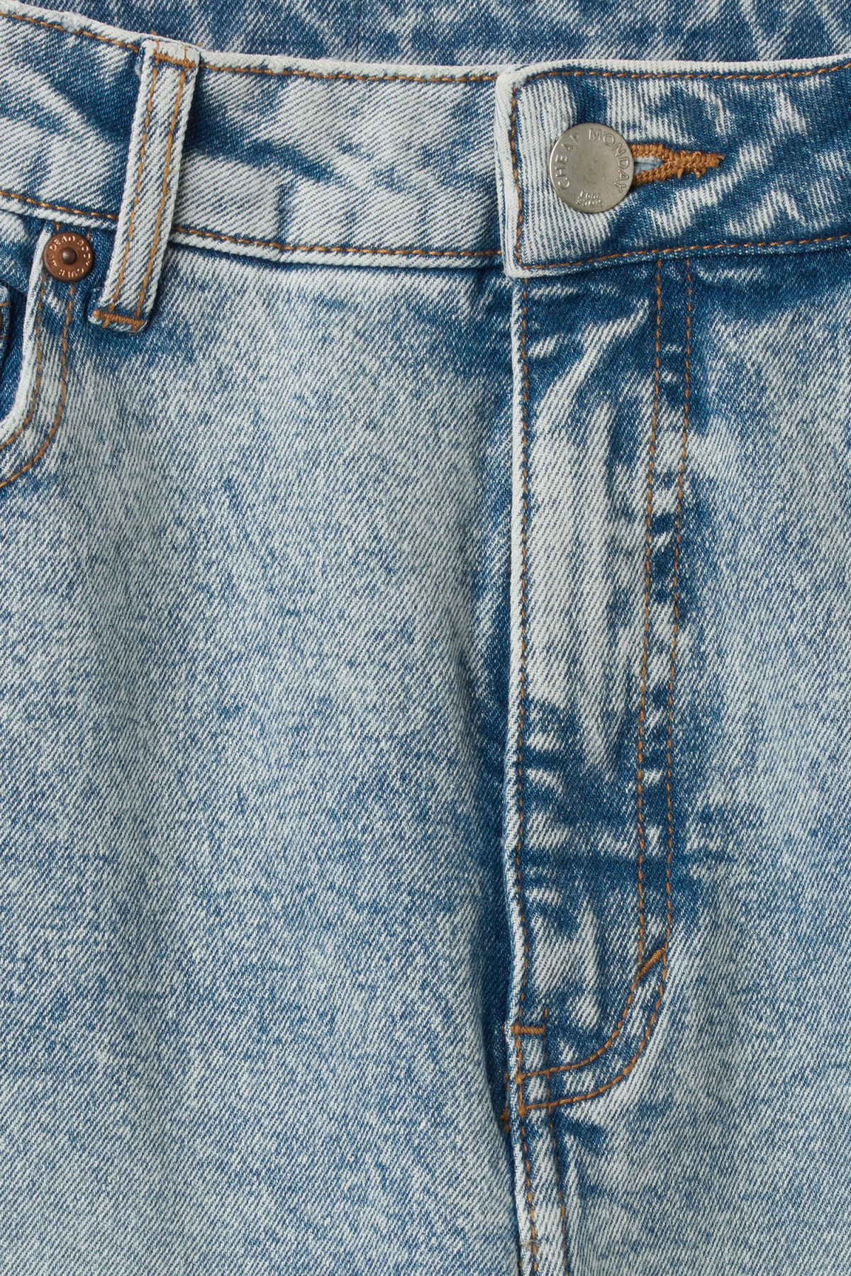 Detailed image of Weekday donna ice blue jeans in blue