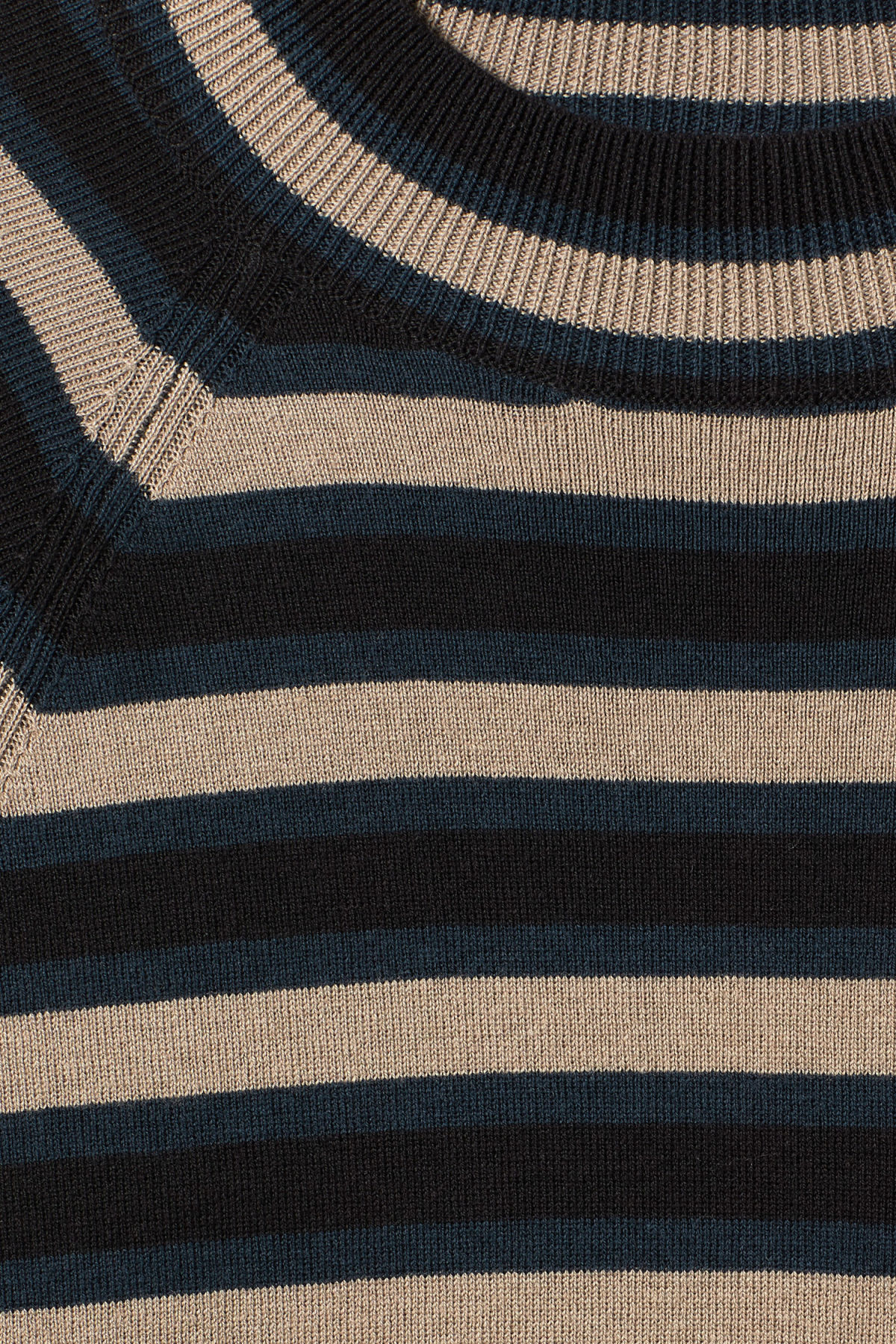 Detailed image of Weekday true sweater in black