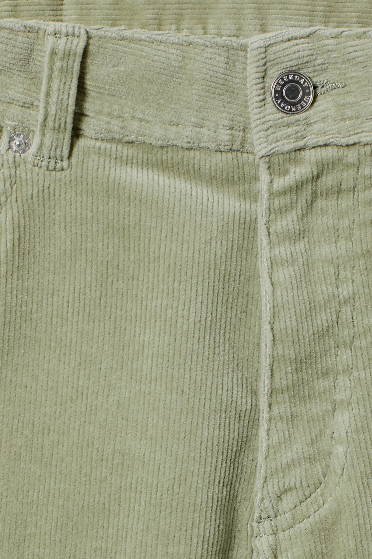 Detailed image of Weekday lucas corduroy shorts in green