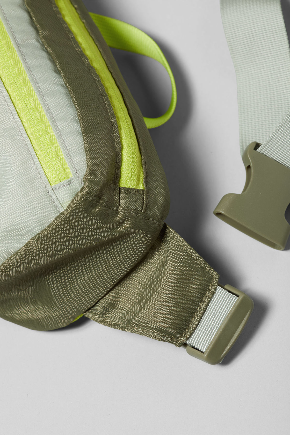 Detailed image of Weekday trip mini waist bag in green