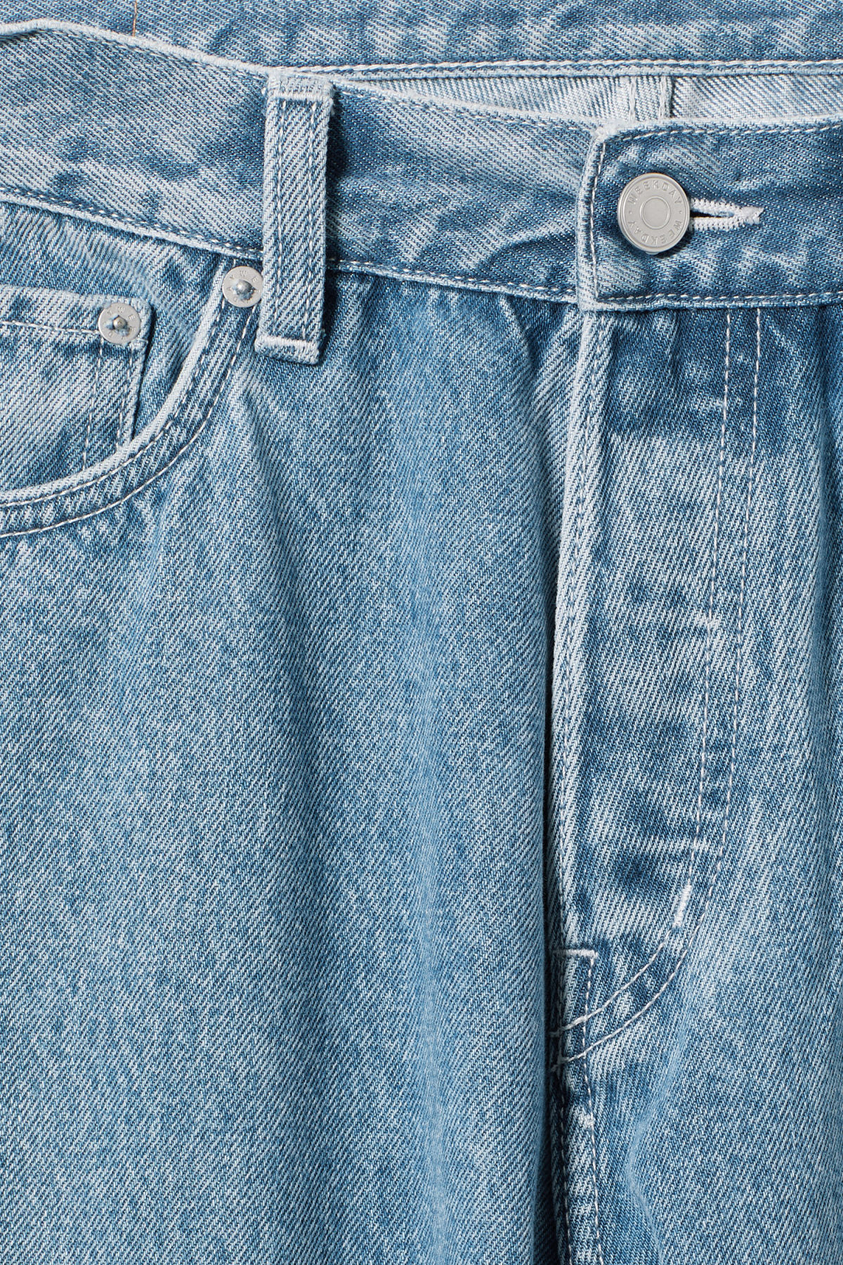 Detailed image of Weekday vacant cropped sky blue jeans in blue