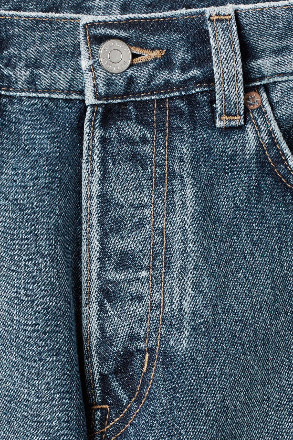 Detailed image of Weekday pine marwin blue jeans in blue