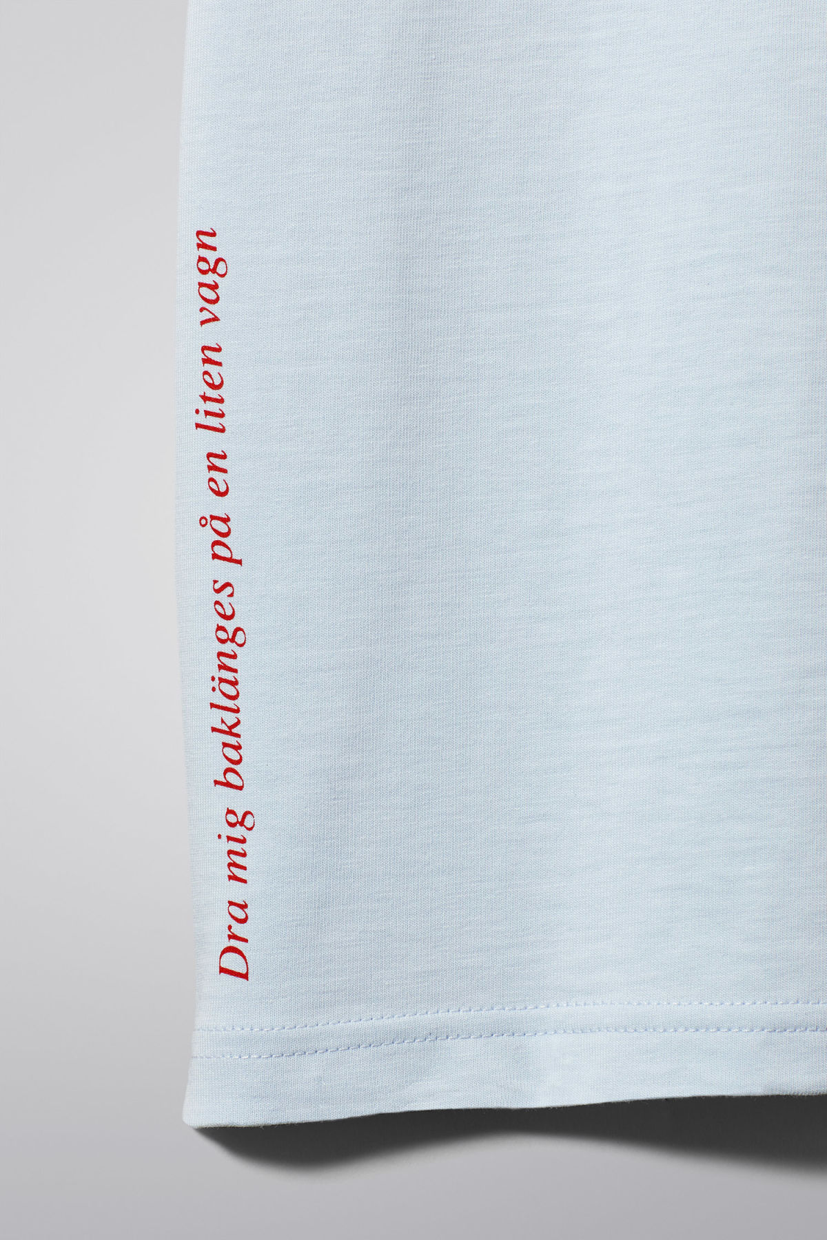 Detailed image of Weekday frank proverb t-shirt in blue