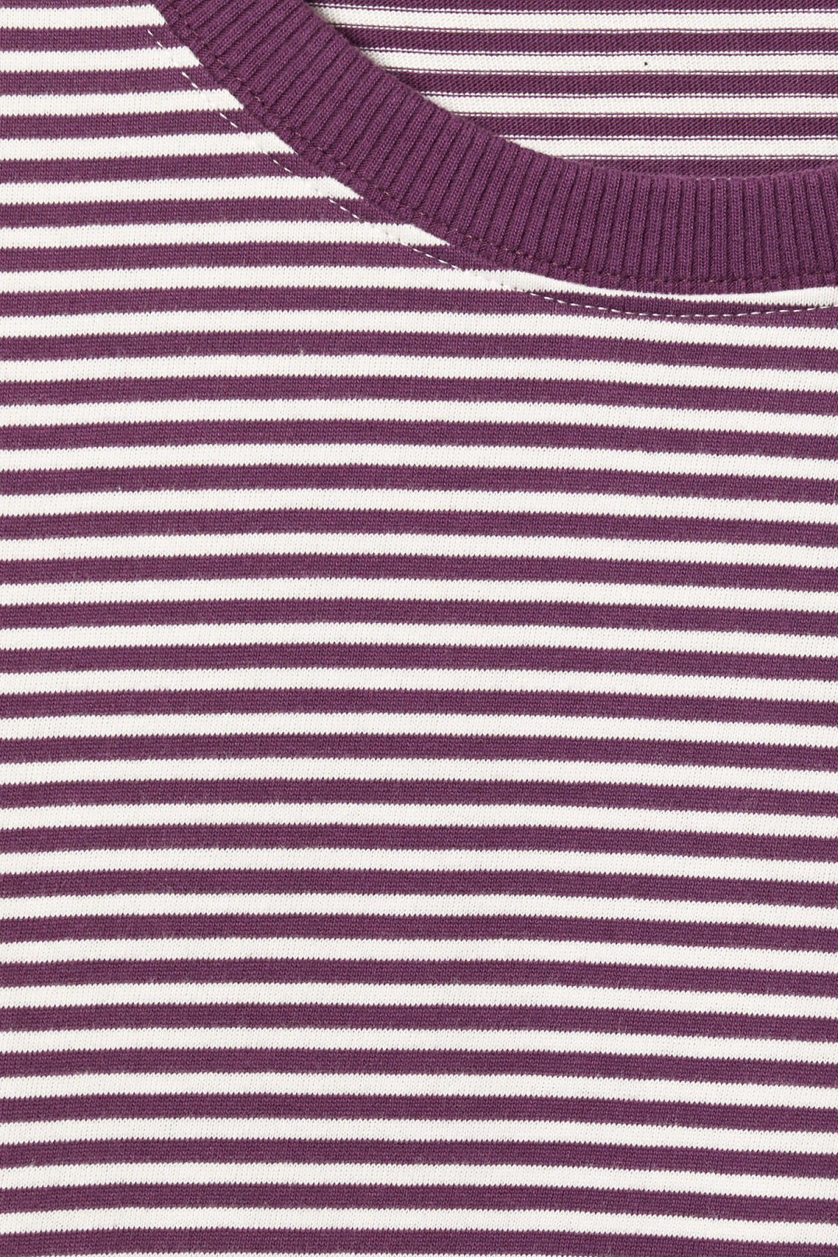 Detailed image of Weekday  in purple