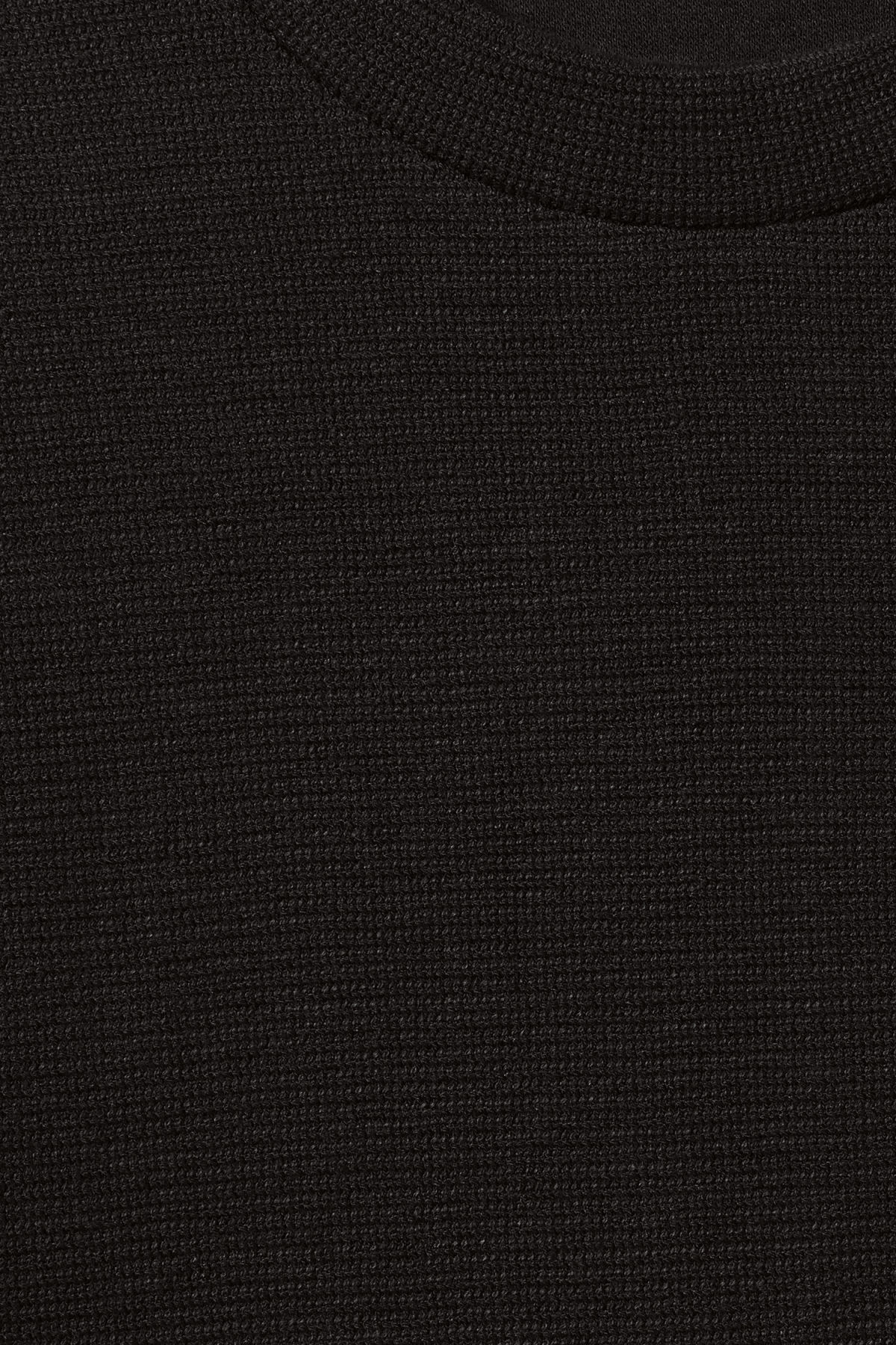 Detailed image of Weekday grand t-shirt in black