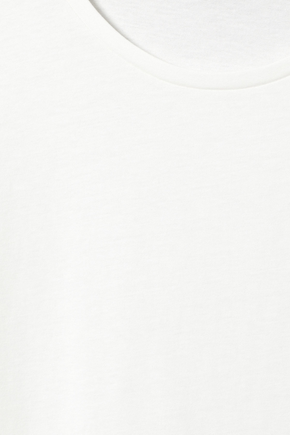 Detailed image of Weekday sly t-shirt in white