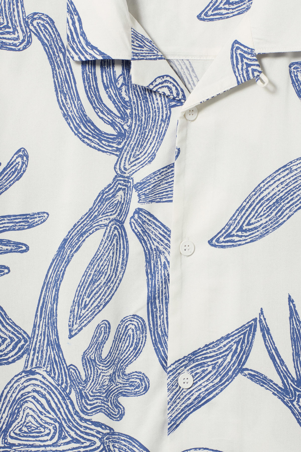 Detailed image of Weekday coffee scribble palm shirt  in white